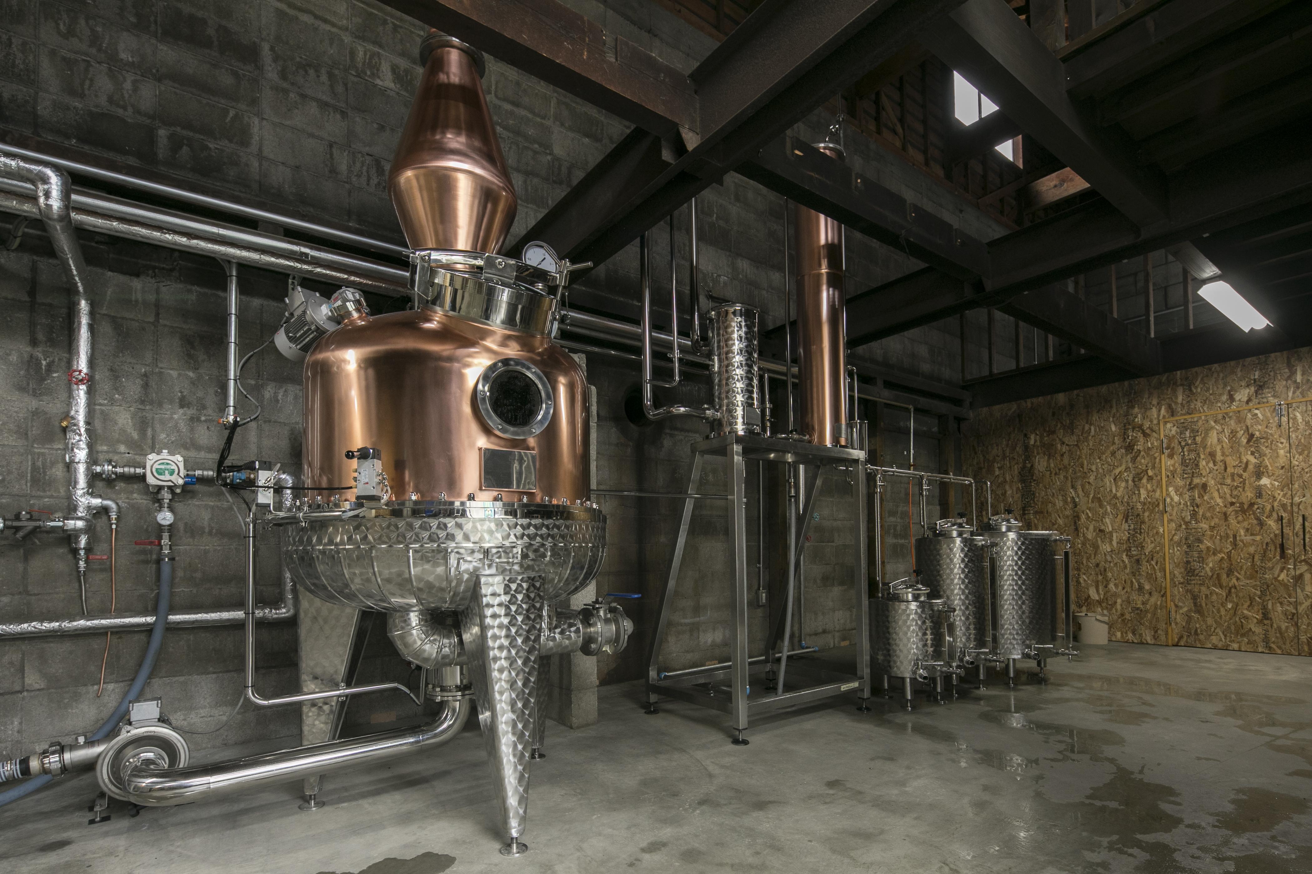 紅櫻蒸溜所が2018年4月26日開所します。